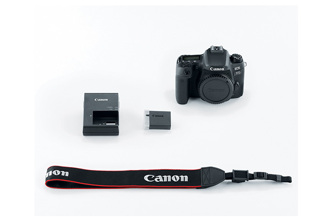 EOS 77D Body view 4
